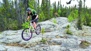 BEST THINGS TO DO IN YELLOWKNIFE